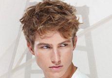 Razbarušena muška frizura