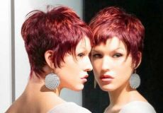 Kratka crvena frizura