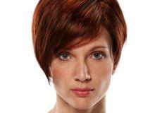 Crvenkasta frizura