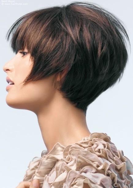Kratka i ravna frizura