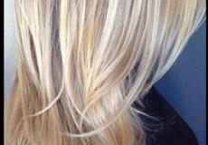 Moderna plava postepena frizura