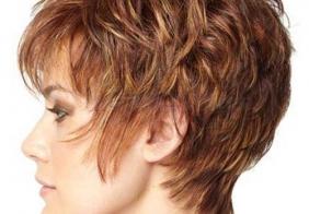 Moderne kratke frizure za žene u najboljim godinama