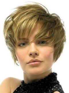 Ljetne kratke postepene frizure