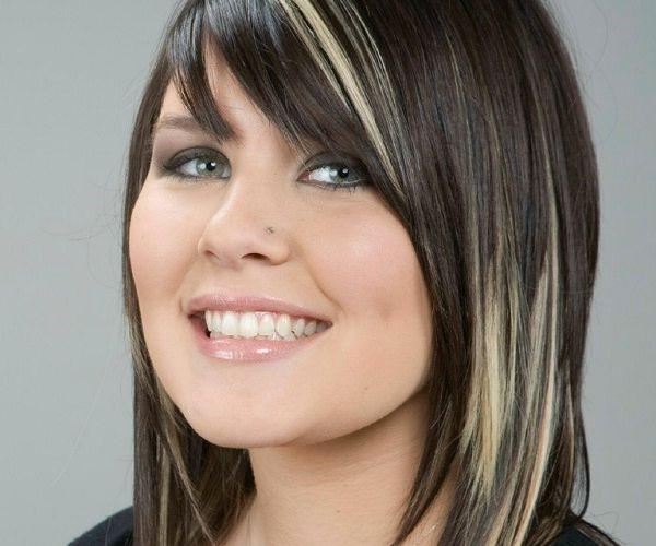 Tamna frizura sa svježim tonovima
