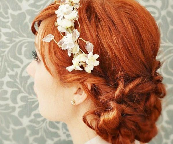 Neobična frizura u narančastoj boji