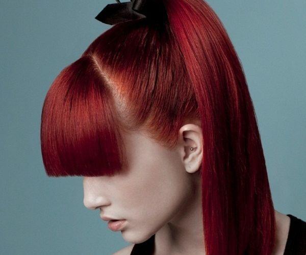 Žarka boja i elegantna frizura