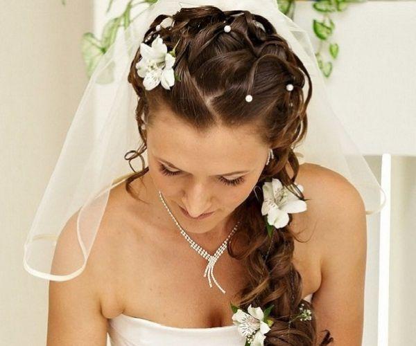 Vjenčana frizura za proljetne dane