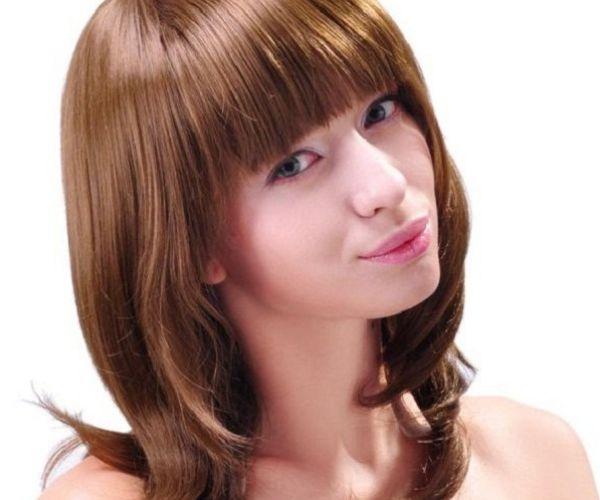 Jednostavna frizura sa šiškama