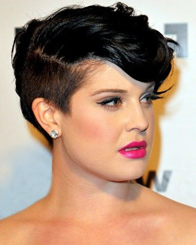 Kelly Osbourne - undercut