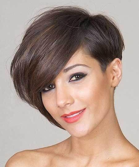 Smeđa asimetrična frizura