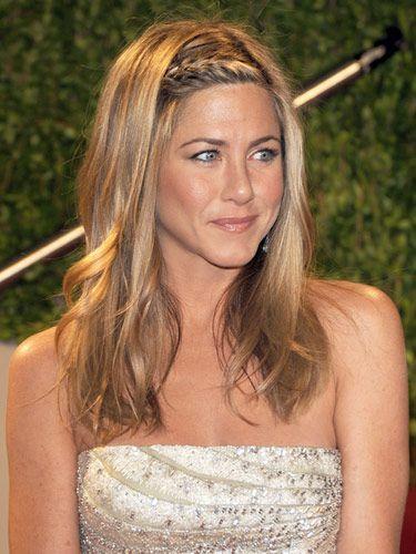 Jennifer Aniston - šiške u pletenici