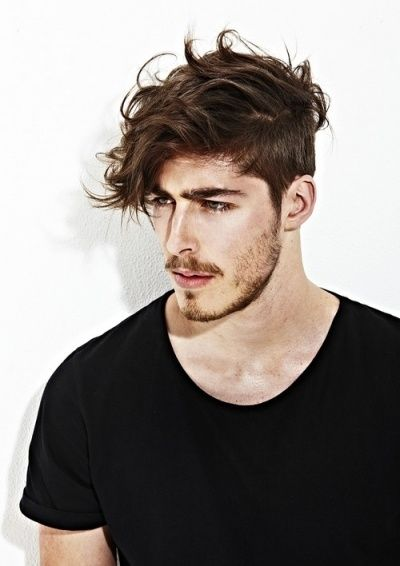 Neuredna muška frizura
