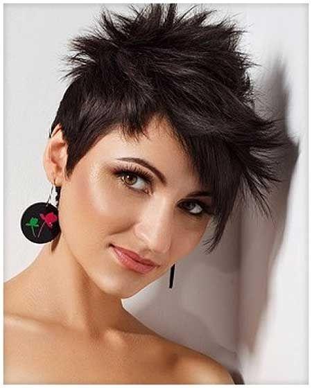 Kratka špičasta frizura