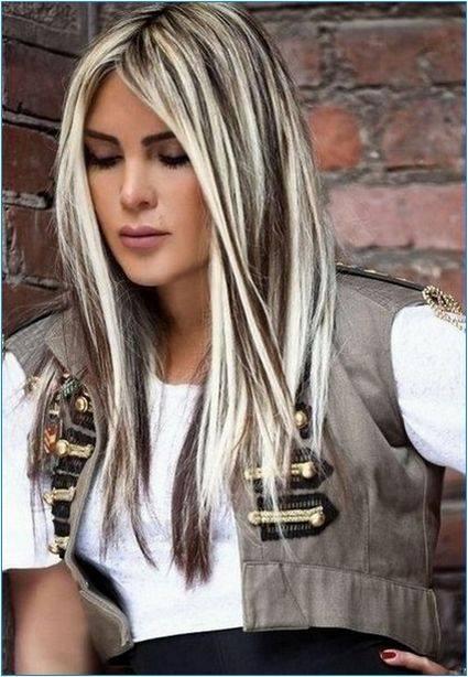 Duga kosa sa bijelim pramenovima